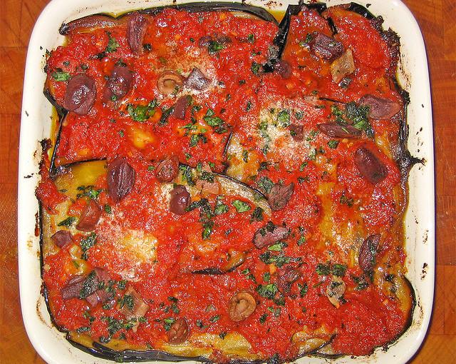Kuchnia włoska i także lokalne mięso sezonowane